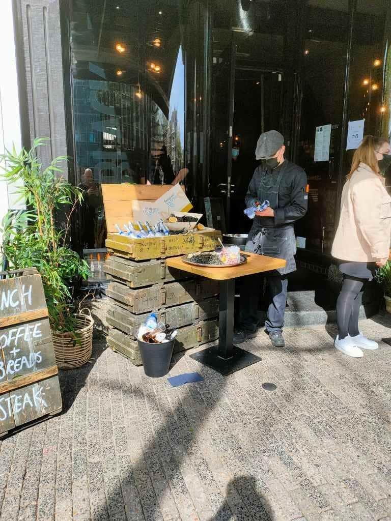 Oesters-restaurant-wandeling-Amsterdam