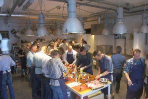 Kookworkshop met een thema bij keukenvuur