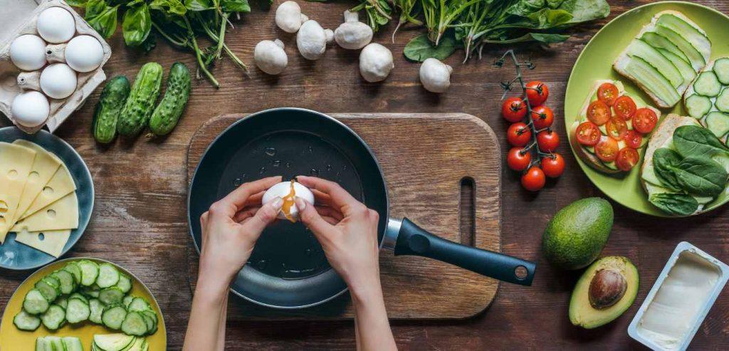 Wil je jouw kookvaardigheden verbeteren maar weet je niet waar je moet beginnen? Je staat er niet alleen voor! Bij Keukenvuur helpen wij je..