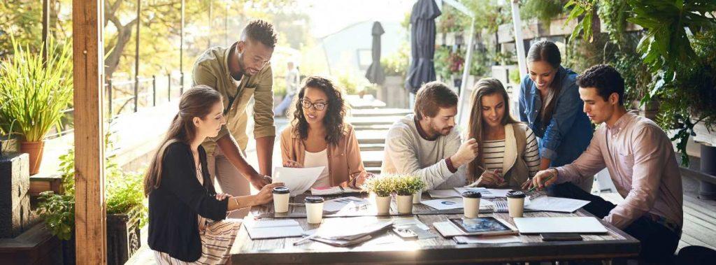 Vergaderen en lekker eten op een vergaderlocatie